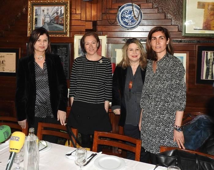 Montserrat López Moro, Isabel Bono, Mercedes Monmany y Ofelia Grande
