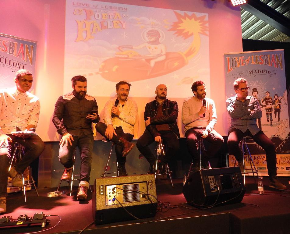 """Love of Lesbian presentan en Madrid el fin de gira del disco """"El poeta Halley"""""""