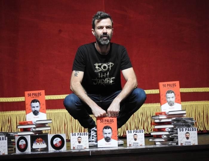 """""""50 palos… y sigo soñando"""", el título de los nuevos libro y disco del cantante y compositor Pau Donés"""