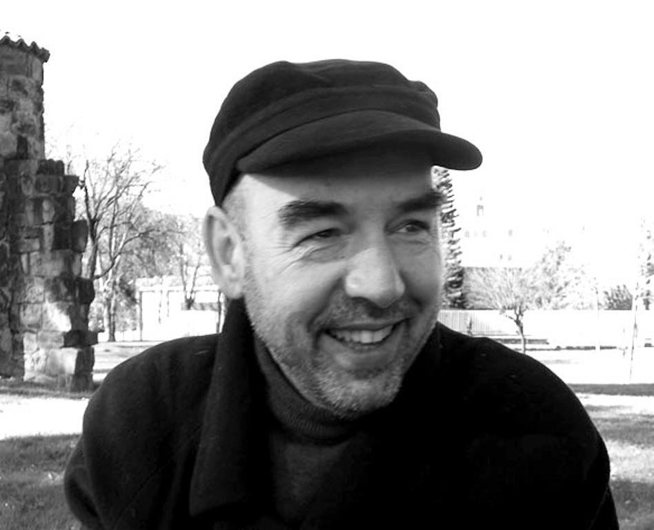"""Entrevista a Santiago Alba Rico, autor de """"Ser o no ser (un cuerpo)"""""""