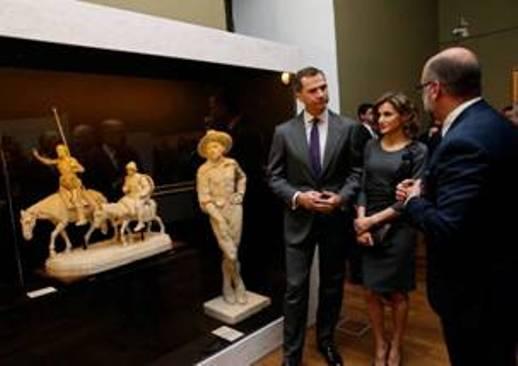 Los Reyes de España en la exposición sobre Miguel de Cervantes