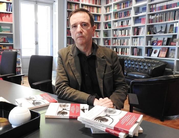 """Entrevista a Martín Casariego, autor de """"Como los pájaros aman el aire"""""""