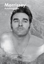 El cantante de pop Morrissey se desnuda de manera excesiva en su