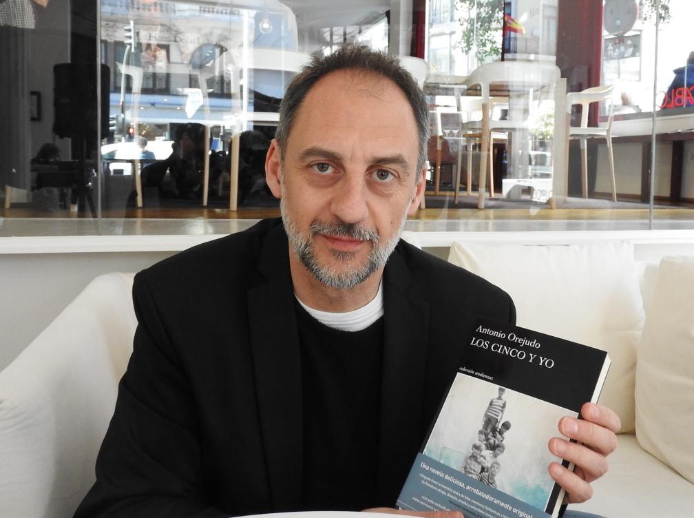 """Entrevista a Antonio Orejudo, autor de """"Los Cinco y yo"""""""
