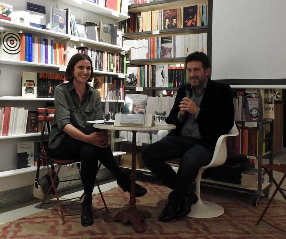 """Mikel Santiago presenta en Madrid su último thriller """"El extraño verano de Tom Harvey"""""""