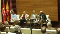 La alcaldesa de Madrid presenta el nuevo libro del cronista de la Villa Pedro Montoliú