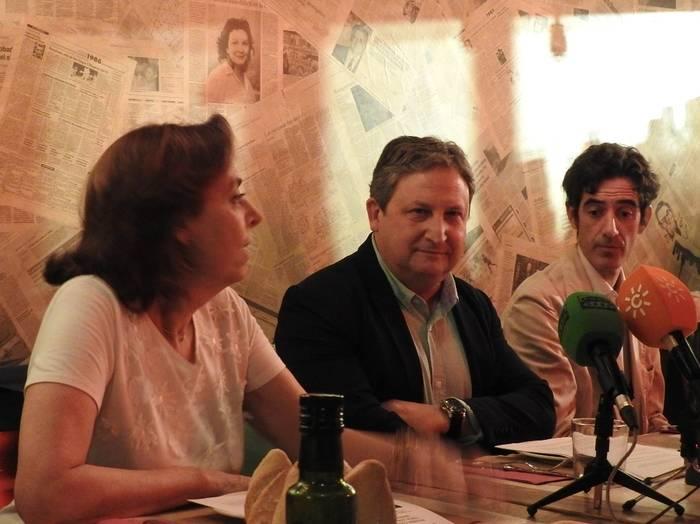 Ana Gavín, José Luis Ferris y Nacho Garmendía