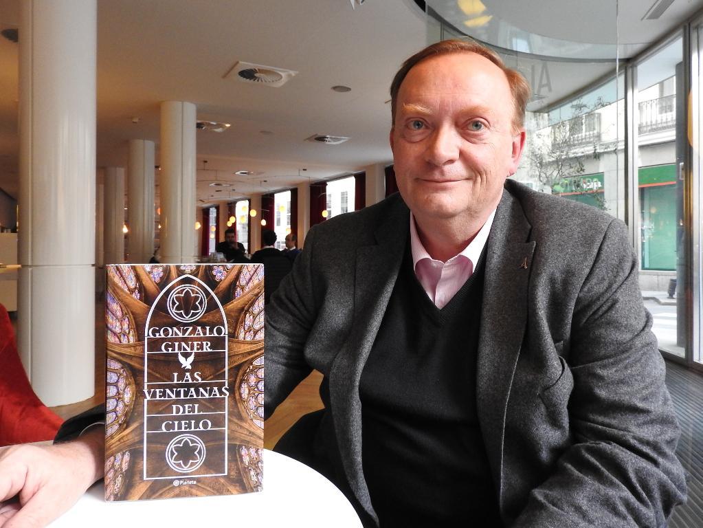"""Entrevista a Gonzalo Giner, autor de """"Las ventanas del cielo"""""""