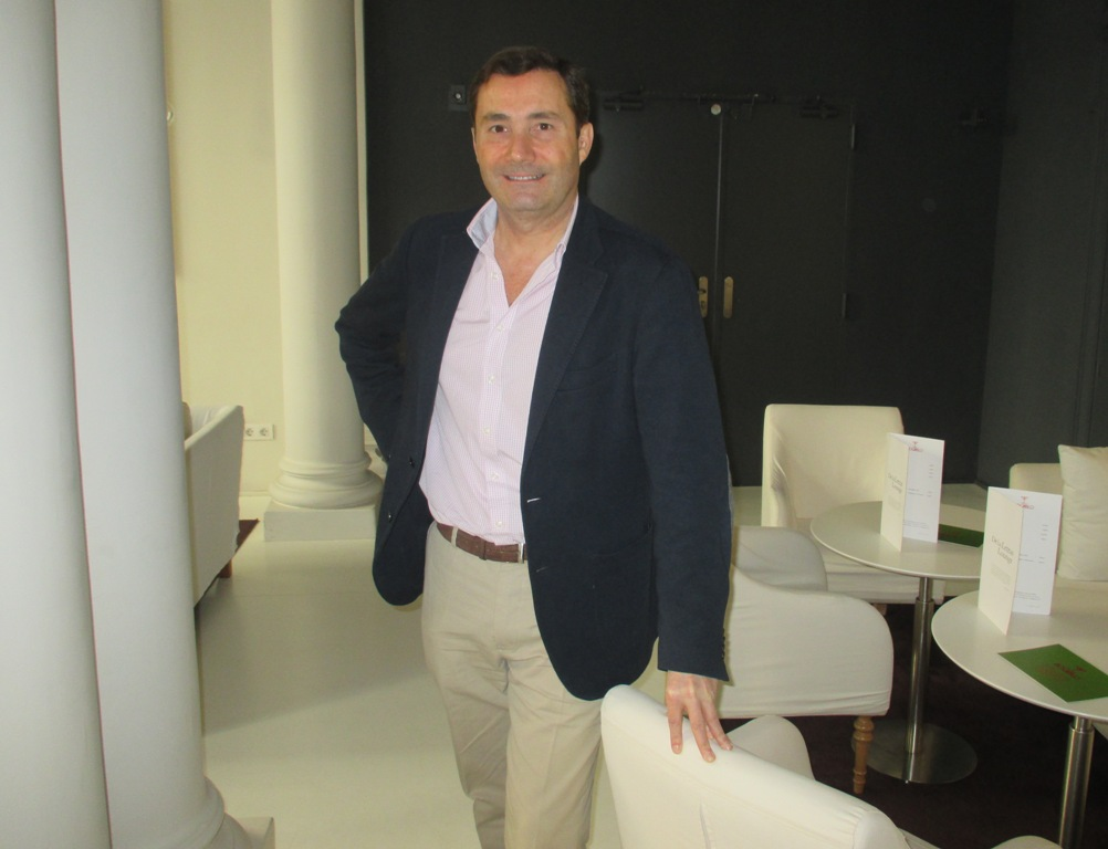 """Entrevista a Javier Bernal, autor de """"Por un puñado de letras"""""""