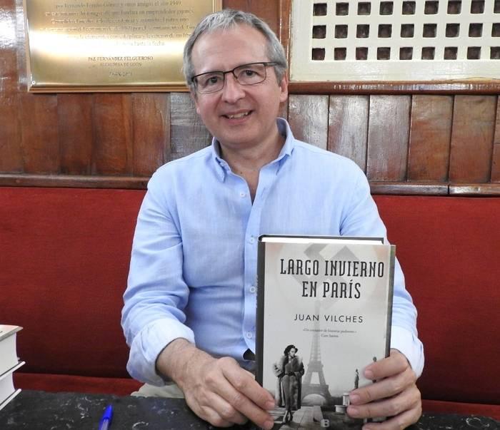 """Regresa Juan Vilches con """"Largo invierno en Paris"""", la ciudad a la que se le acabó la fiesta"""