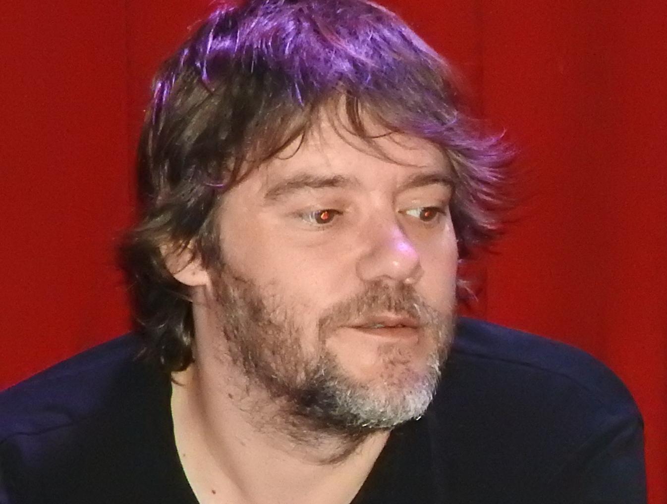 Luis Ramiro publica