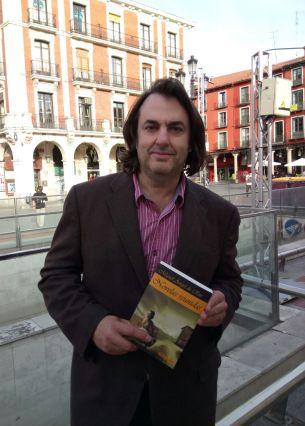 Miguel Ángel de Rus presenta en el Teatro Zorrilla de Valladolid su libro