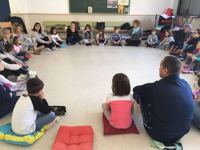 El colegio público Jardín de Arena de Alcázar de San Juan celebra el Día del Libro con diversas actividades.
