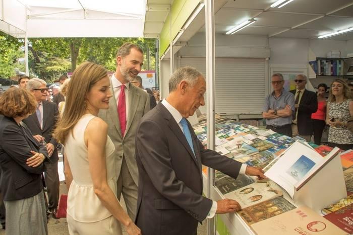 SS. MM. los Reyes inauguran la 76ª Feria del Libro de Madrid