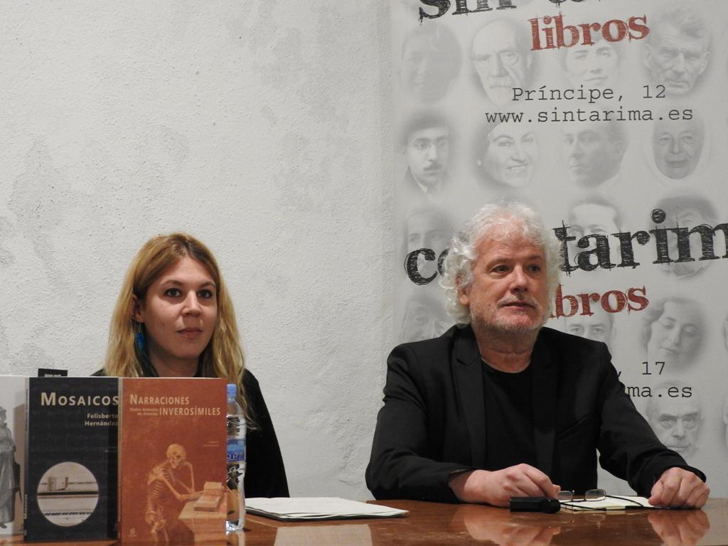 Antonio Lafarga y María Agra presentan la editorial Sitara