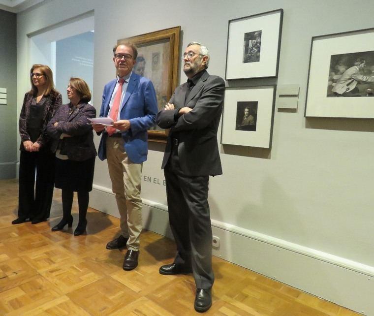 De izquierda a derecha, Teresa Campos, de la Fundación Mutua Madrileña; la directora del Museo Sorolla, Consuelo Luca de Tena; el director general de Bellas Artes y de Patrimonio, Luis Lafuente Batanero y el comisario de la exposición, Publio López Mondéjar