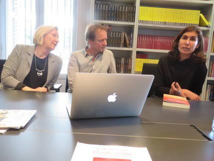 De izquierda a derecha, Victoria Hughes, traductora e intérprete; el autor, Frank Westerman, y Ofelia Grande, Directora de Ediciones Siruela