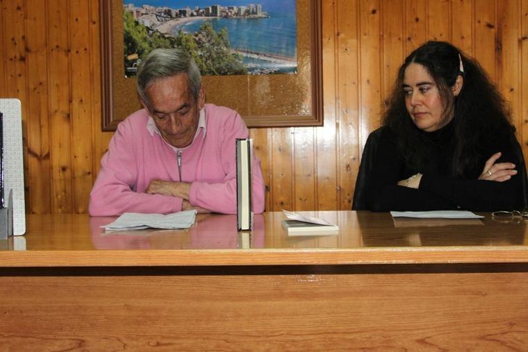 Juan Antonio Tomás, junto a M. J. Zapater
