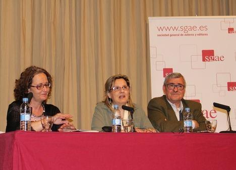 """Amparo Andrés presenta en la SGAE de Valencia """"Metamorfosis""""."""