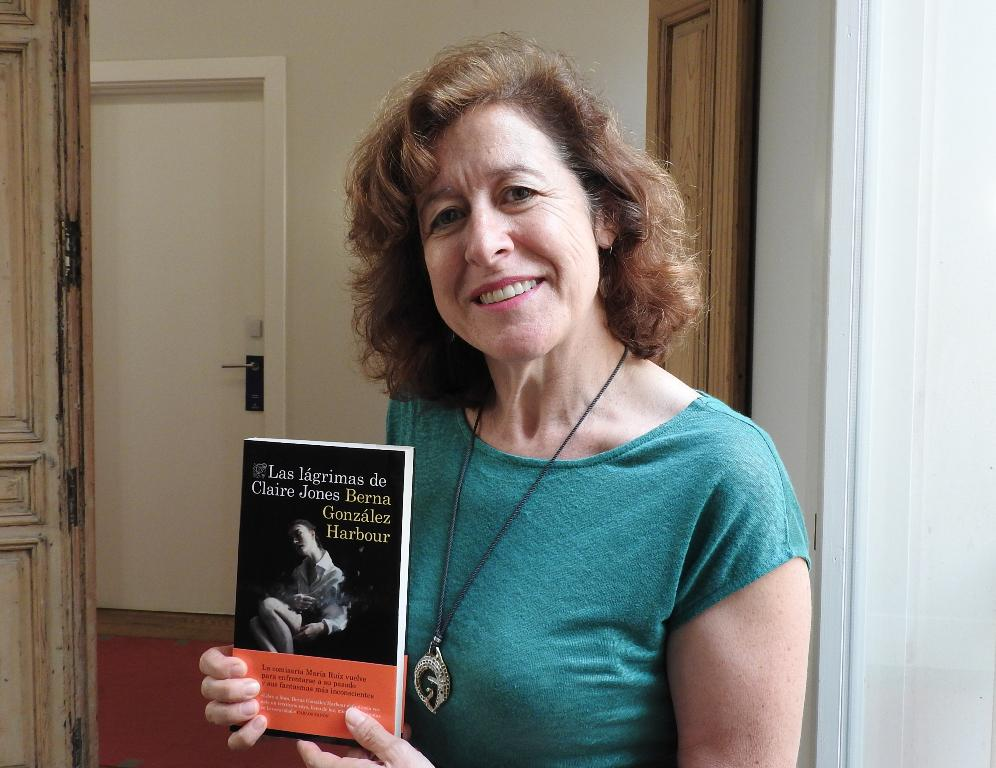 "Entrevista a Berna González Harbour, autora de ""Las lágrimas de Claire Jones"""