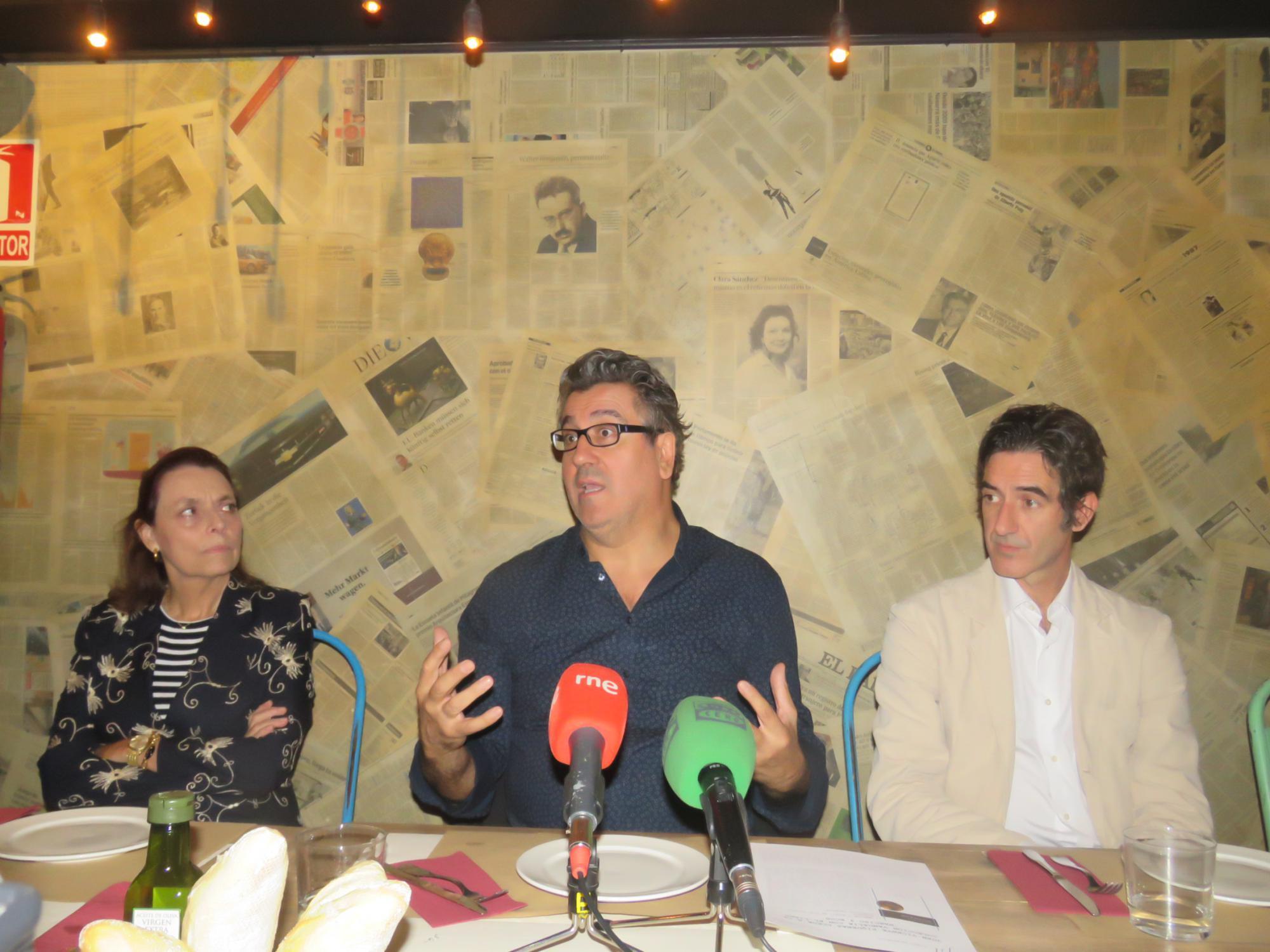"""Presentación del poemario """"Narciso y Ecos"""", de Juan Vicente Piqueras"""