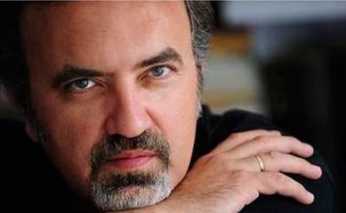 El escritor Manuel Moyano acude al festival Celsius 232 de Avilés para presentar su nueva novela, 'El abismo verde'
