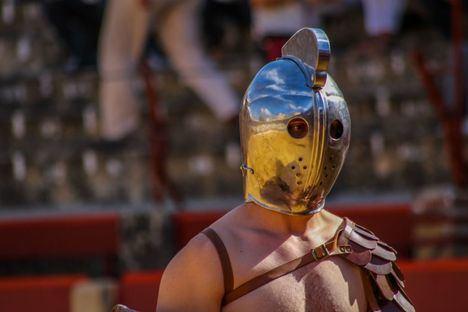 """Combates de gladiadores y """"Pankratio"""" romano en la Plaza de Toros de Úbeda y en la Plaza Vázquez de Molina, mejor que ver una película"""