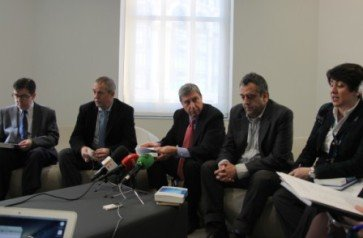 Juan Carlos Jiménez, José Luis García Delgado, Fernando Rodríguez Lafuente Javier Sampedro y Rosa María Sainz