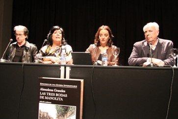 """Almudena Grandes presenta """"Las tres bodas de Manolita"""" en el Círculo de Bellas Artes de Madrid"""