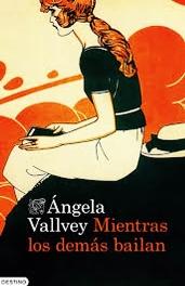 """Ángela Vallvey retrata a la mujer de los años cuarenta en """"Mientras las demás bailan"""""""